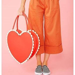 Ban.dō Super Chill Sweetheart Bag